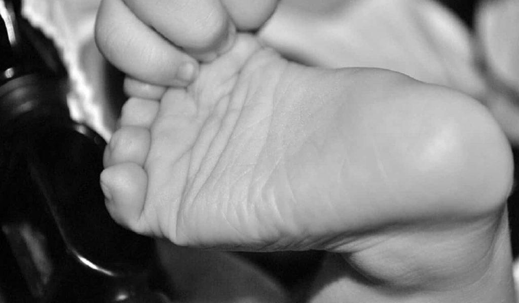 bimba neonata arrabbiata covid-19