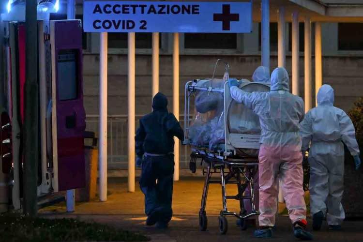 Coronavirus Italia picco contagi casi ritorno Cauda