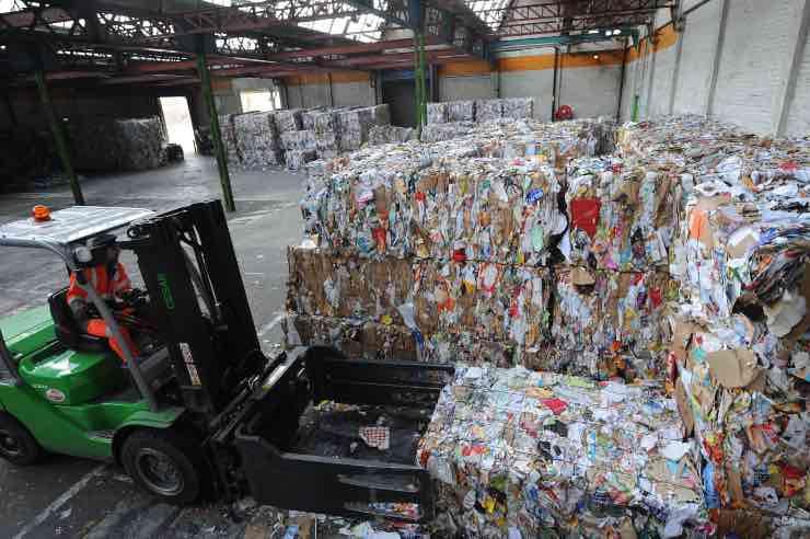 covid-19-raccolta-rifiuti-da-imballaggio-a rischio lettera Conai Premier