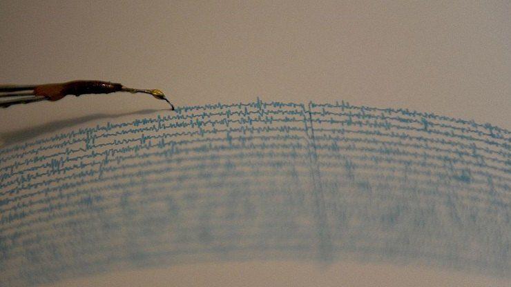 Terremoto Sicilia Ragusa scossa