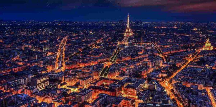 La Francia adesso come l'Italia: il passo è stato breve