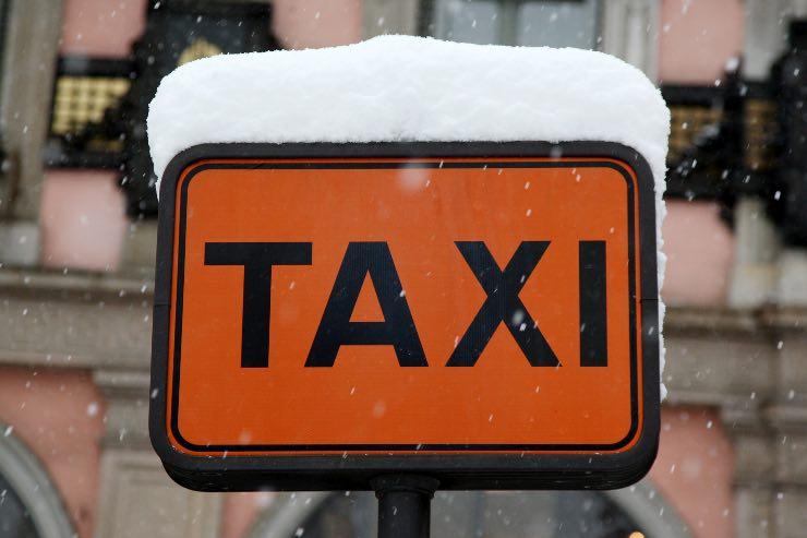 Coronavirus, bloccata in Spagna: taxista la porta in Veneto