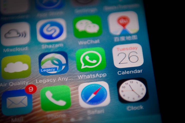WhatsApp togliere sta scrivendo chat