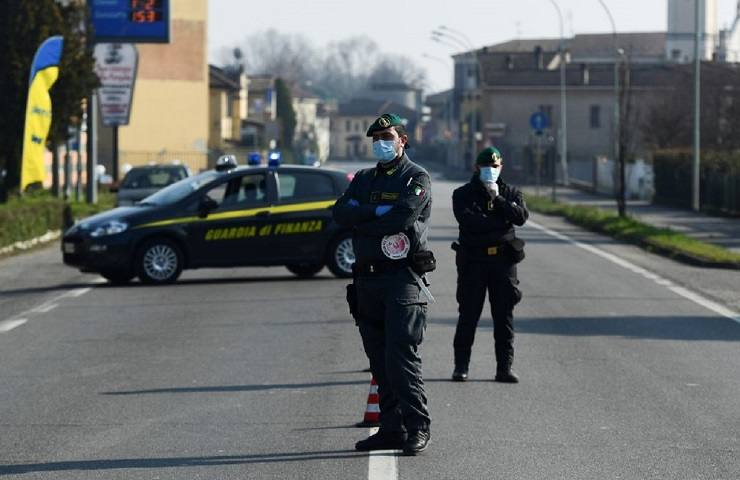Guardia di Finanza mascherine