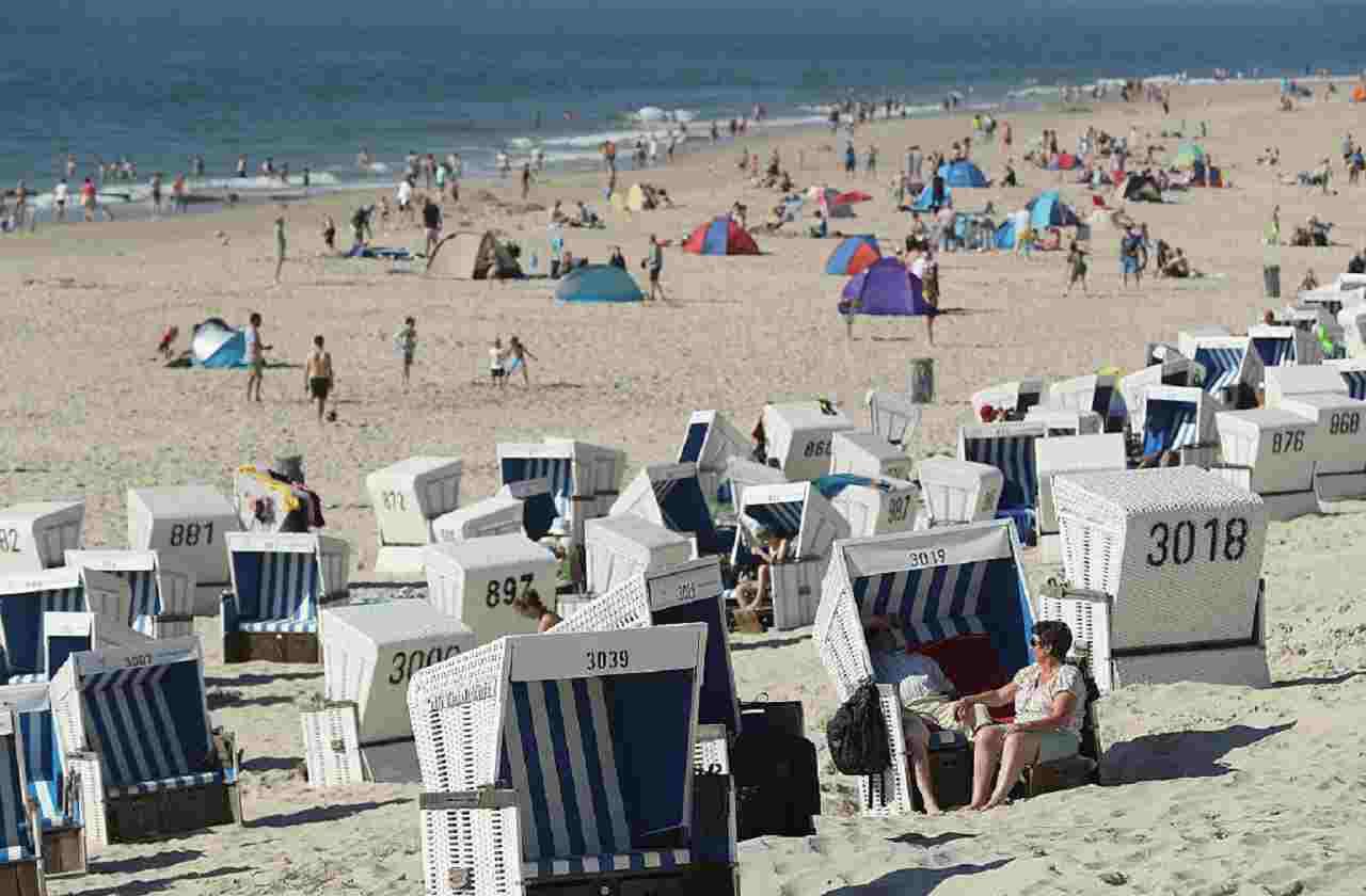 Coronavirus Spiaggia spot Calabria