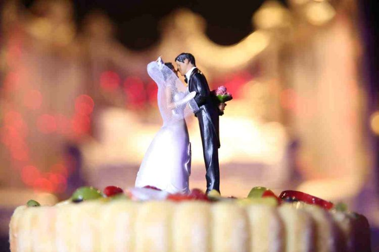 Nozze moglie matrimonio rimandato coronavirus