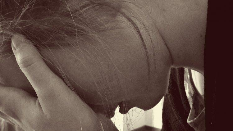 17enne si suicida