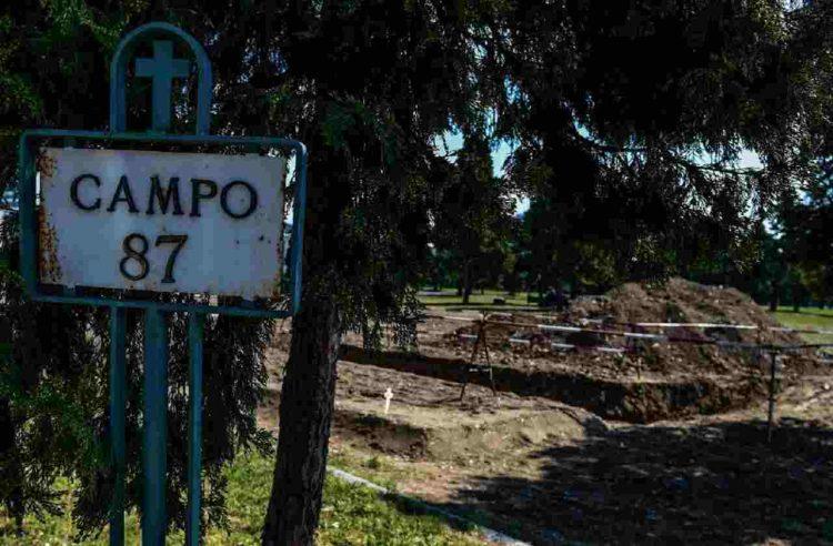 roma lapide nome della madre post su Facebook