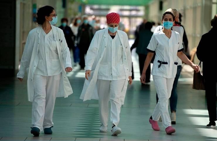 Virus virologo casi Italia numeri ufficiali falsati