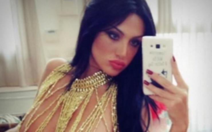 Marika Fruscio selfie incandescente (tvdaily)