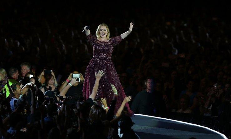 Adele magrissima, la cantante su Instagram mostra il nuovo fisico - Lifestyle