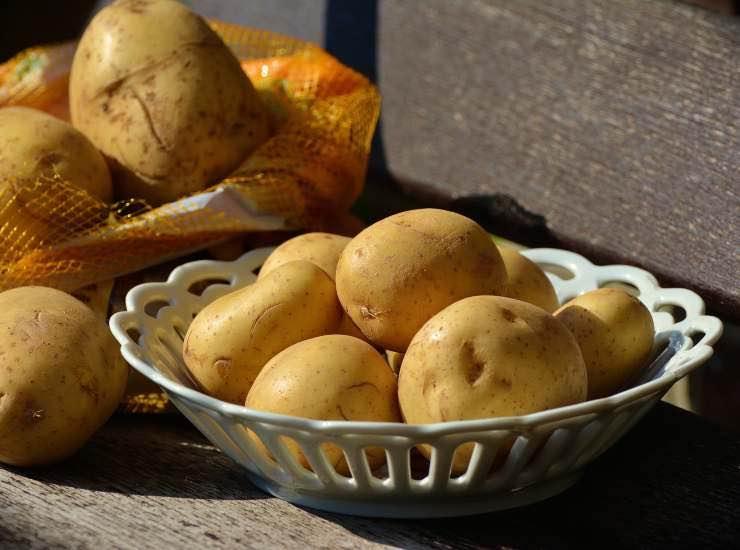 Insalata di patate estiva ricetta ingredienti preparazione