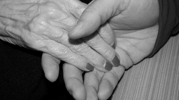 Coppia di anziani morti