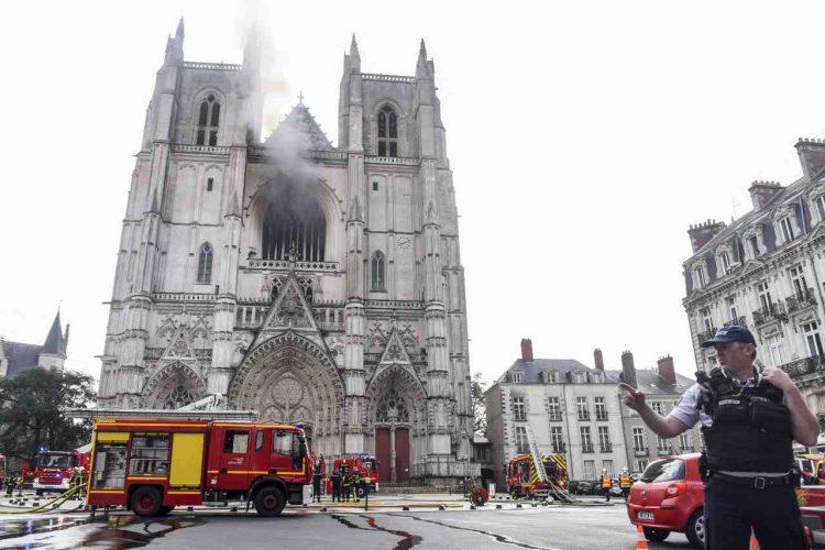 Nantes incendio