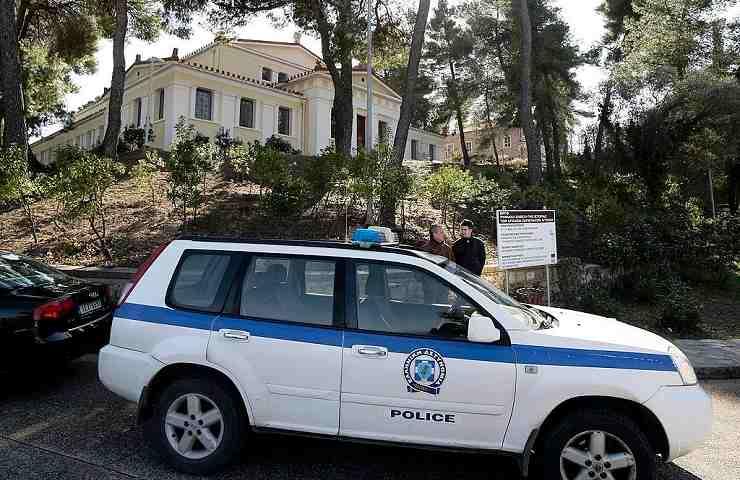 Carlotta, morta a 18 anni a Mykonos. Si indaga sull'autonoleggio