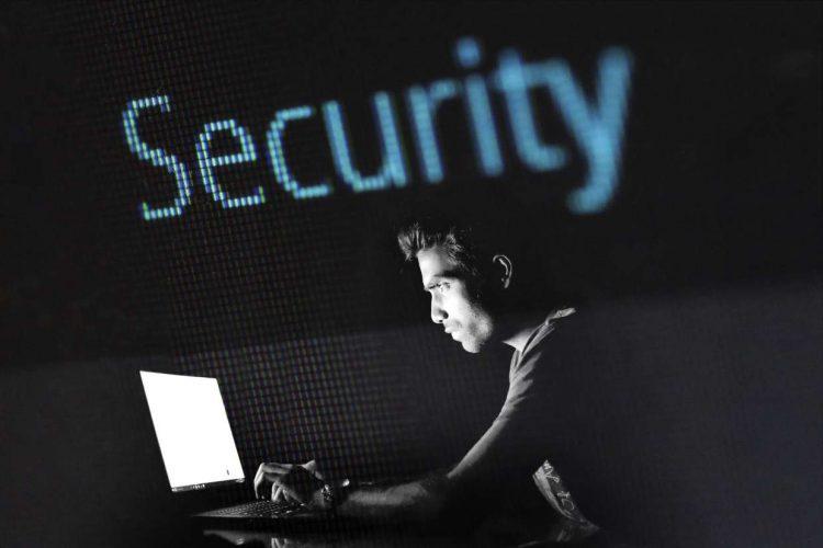 La truffa del momento: il voice phishing