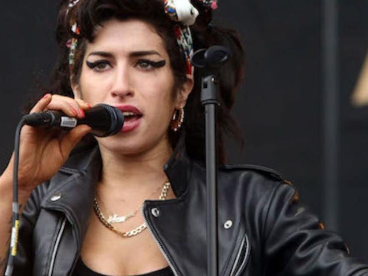 Amy Winehouse inquietante leggenda club 27
