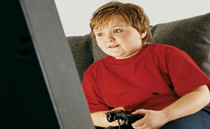 adolescente gioco
