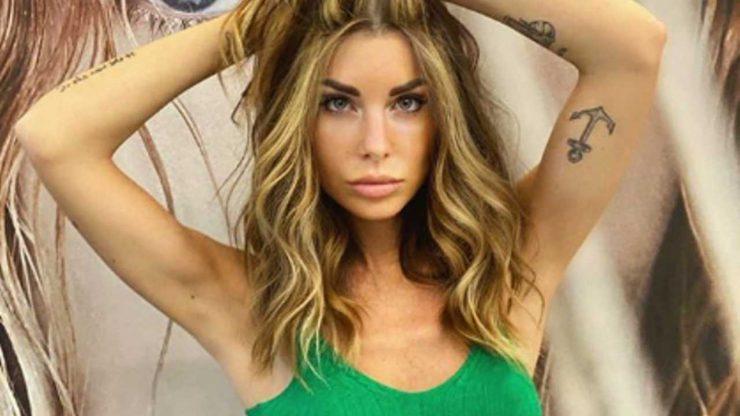 Bianca Atzei sguardo seducente foto