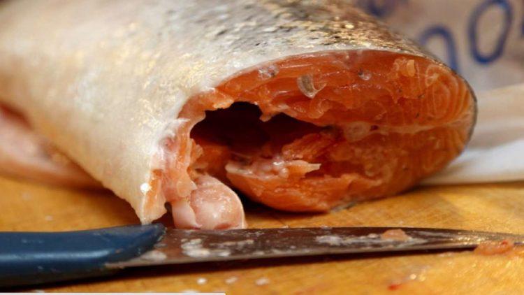 Asportato metà fegato dopo aver mangiato pesce crudo