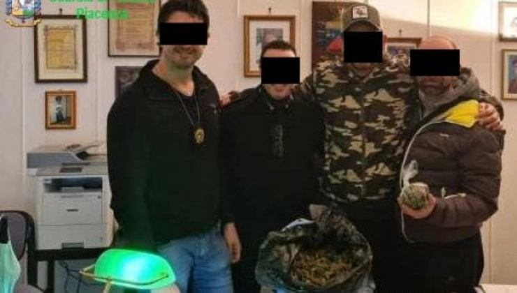 Carabinieri arrestati Piacenza trans accusa