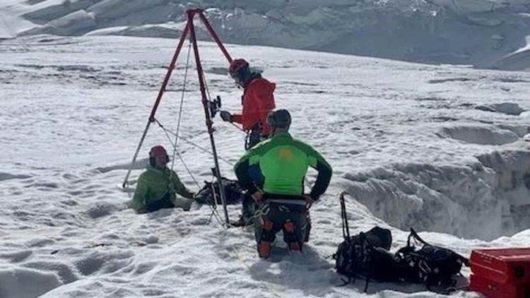 Squadra di soccorso su Monte Rosa (foto dal web)