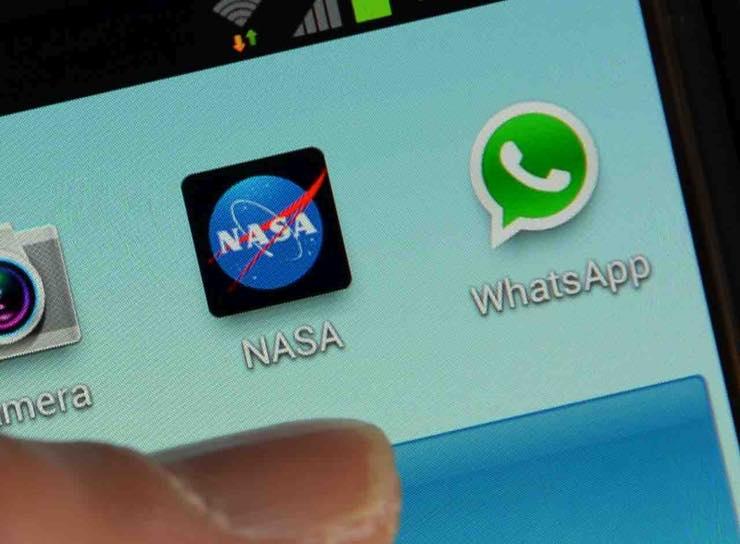 WhatsApp richiedere assistenza chat