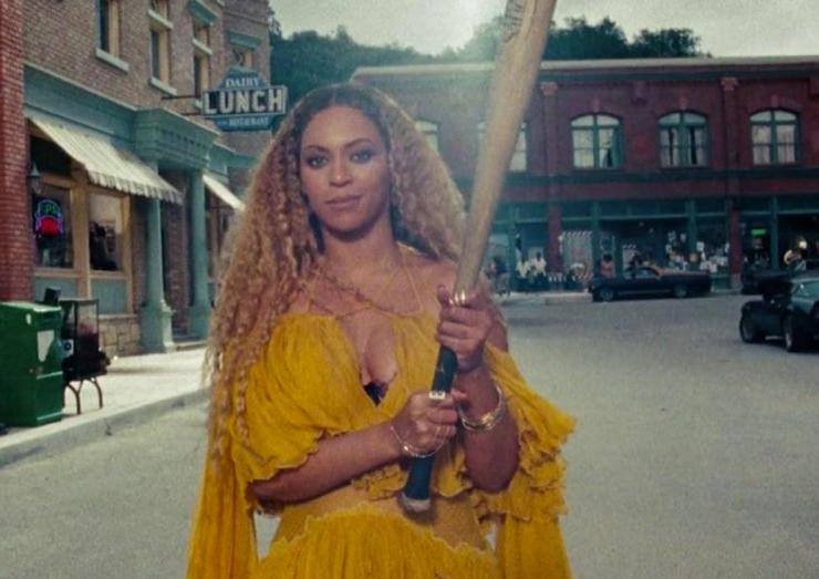 Beyoncé Hold Up