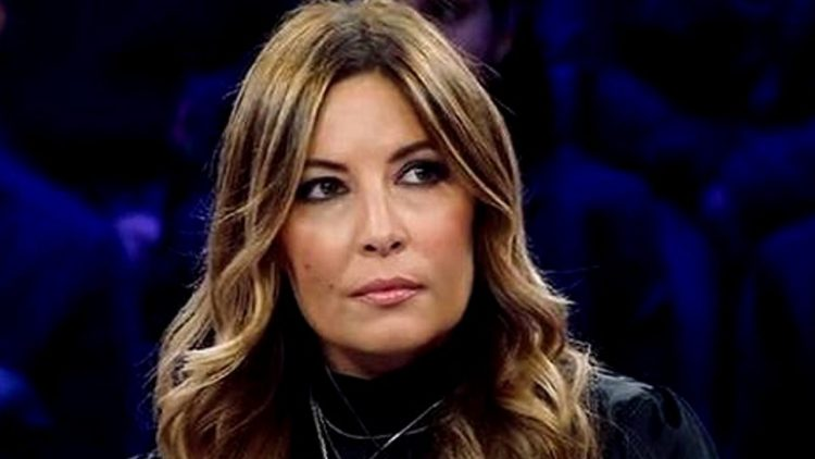 Vittorio Sgarbi, attacco frontale a Selvaggia Lucarelli:
