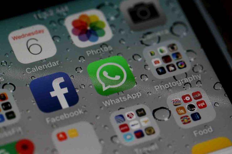 WhatsApp inviare foto video autodistruggono