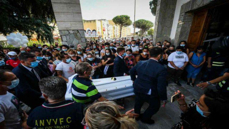 Funerali Maria Paola Gaglione (foto dal web)