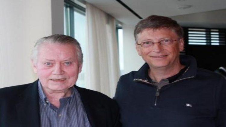 Feeney e Bill Gates (foto dal web)