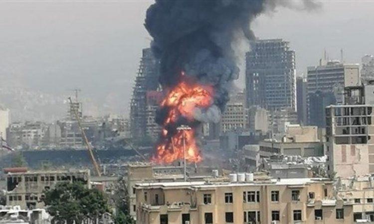 Incendio al porto di Beirut