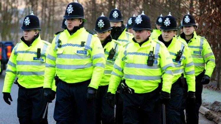 Birmingham, accoltellate diverse persone durante la movida