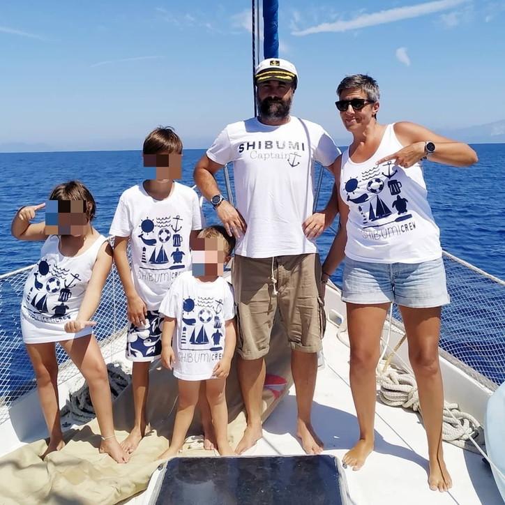 La famiglia Barberis in barca a vela