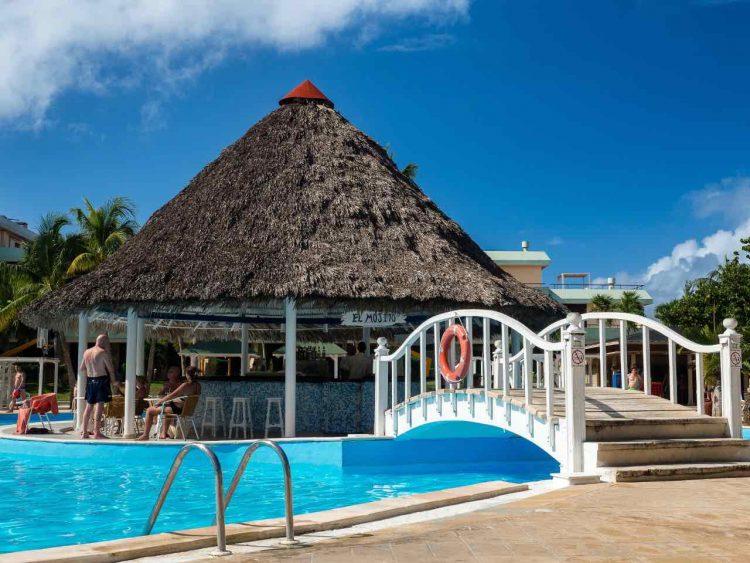 Bonus per i lavoratori del turismo: i requisiti per ottenerlo