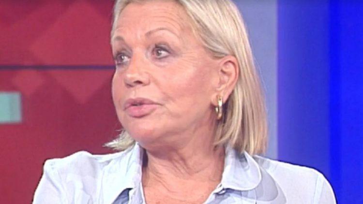 Catherine Spaak emorragia cerebrale