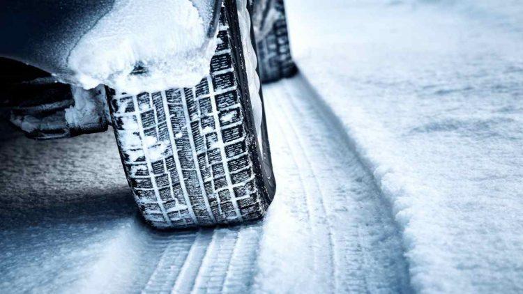 Cambio gomme invernali (foto dal web)