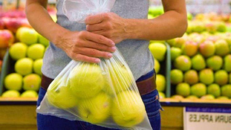 Frutta e verdura al supermercato (foto dal web)