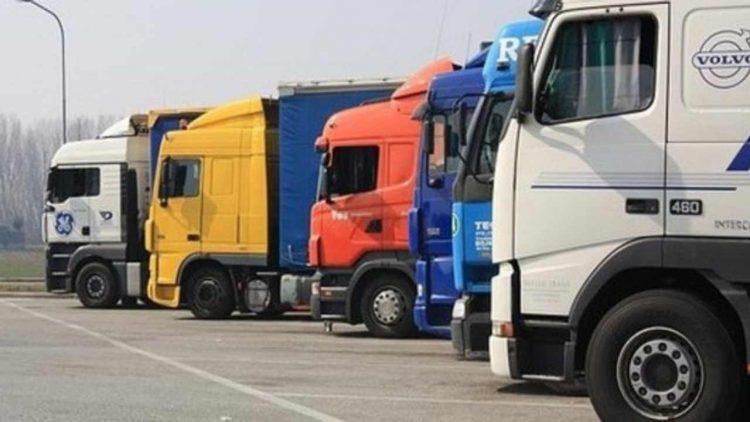 Tir in autostrada (foto dal web)