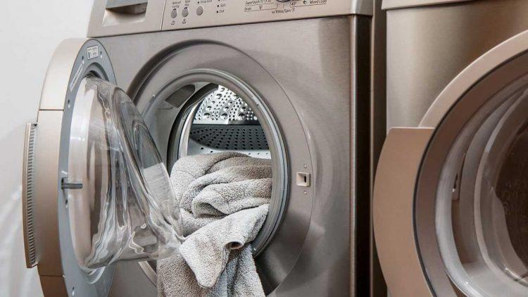 perchè l'intimo non va lavato in lavatrice