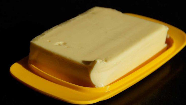 Rimuovere le macchie di burro