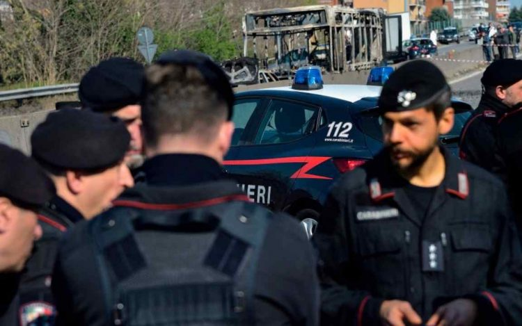 Carabinieri indagano strage familiare