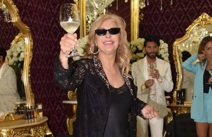 Tina Cipollari single