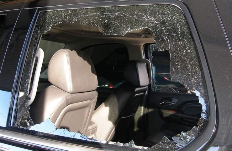 Bambino morto in auto