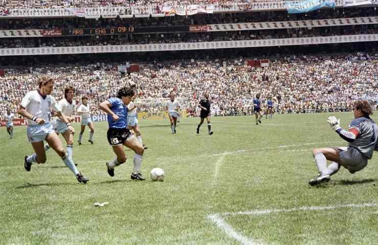 Diego Armando Maradona Gol del Secolo
