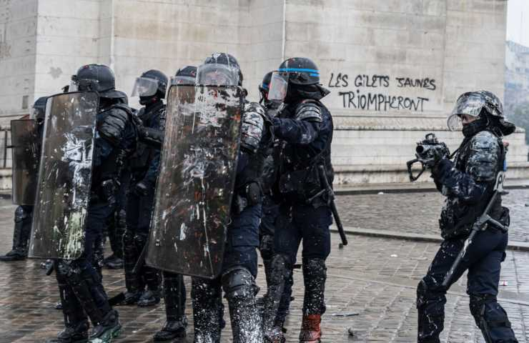 Parigi presa d'assalto
