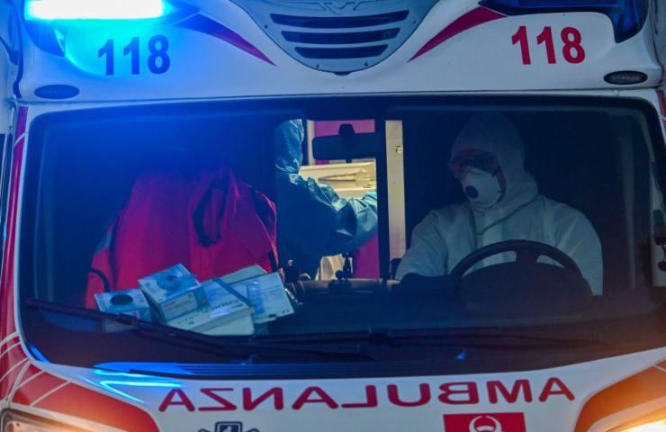 Ambulanza, bimbo schiacciato da un mobile a Bolzano