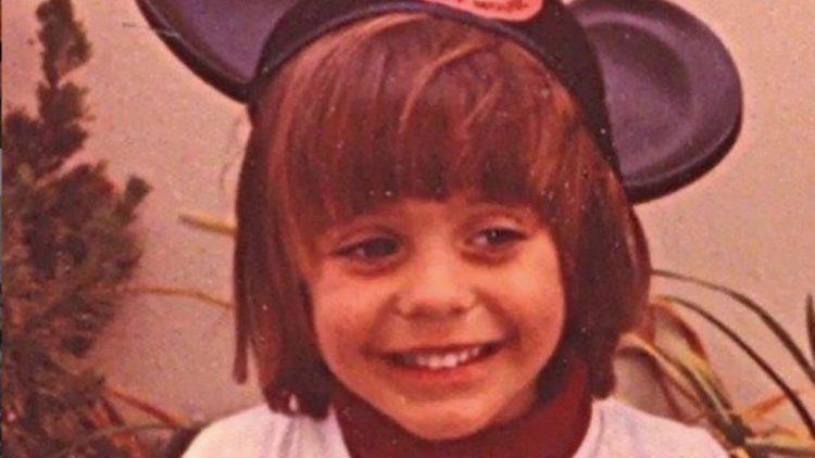 Conoscete questo bambino? Oggi è un noto cantante rock