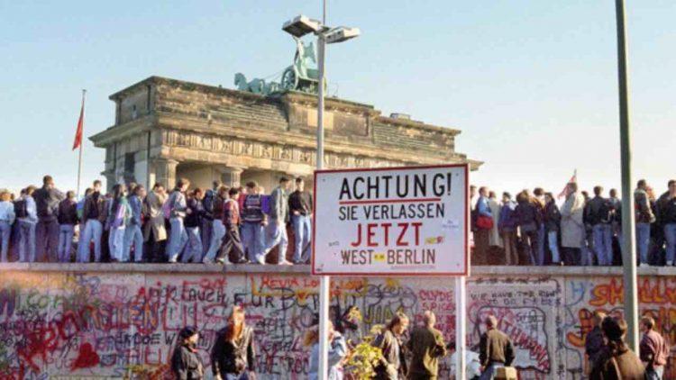 Muro di Berlino la canzone simbolo di David Bowie